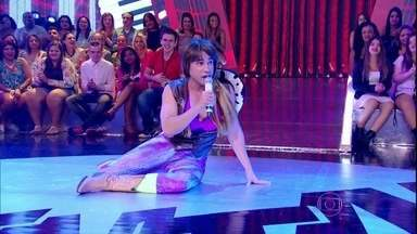 Carol Paixão invade Esquentanejo: assista! - Ela canta 'Eu sou a diva que você quer copiar', de Valesca Popozuda
