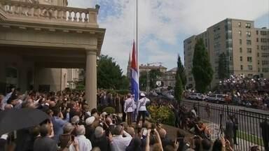 Estados Unidos e Cuba reabrem embaixadas após 54 anos - Nesta segunda-feira (20), Estados Unidos e Cuba vão restabelecer suas relações diplomáticas com a reabertura de embaixadas em Washington e Havana.