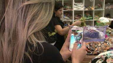 Lojistas de Cianorte tentam driblar a crise para atrair consumidores na Expovest - A Expovest Primavera e Verão vai até terça-feira (21) nos shoppings da cidade.