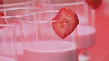 'Prato Feito' tem receita de iogurte - Com a ajuda da criançada, é fácil incrementar esse alimento e deixá-lo ainda mais gostoso.