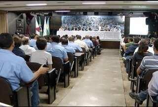 Audiência pública discute Plano de Saneamento Básico de Montes Claros - Assunto provocou muita confusão e protestos.