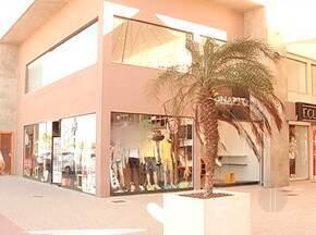 Em meio à crise, setor de comércio de Tamoios continua recebendo investimentos - Neste mês, o distrito ganhou o primeiro shopping: são 42 lojas e 43 salas comerciais.