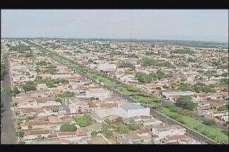 Prefeitura de Araguari irá cobrar dívidas do IPTU em cartório - Município fará levantamento dos devedores nos últimos 5 anos.MGTV encontrou moradores que não pagaram imposto em protesto.
