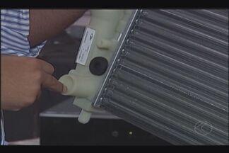 Grupo de pesquisadores da UFU desenvolve fluido que pode reduzir consumo de combustíveis - Com valores cada vez mais altos o jeito é economizar. Fluido pode geral economia de até 10%.