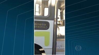Passageiros registram irregularidades na empresa Paranapuan - A Diana Melo fez imagens de um ônibus que enguiçou no meio da viagem. A empresa ainda não se manifestou sobre o assunto.