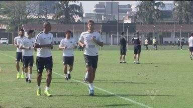 Santos se prepara para o jogo contra o Flamengo - Partida será realizada neste domingo (2), às 16h, no Maracanã.