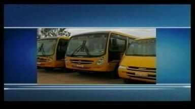 Começam preparativos para retorno das aulas na rede municipal - Veículos do transporte escolar estão passando por vistoria.