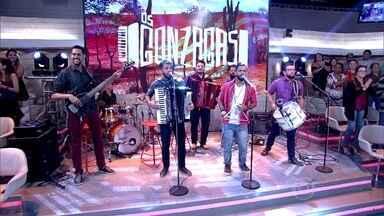 Os Gonzagas abrem Encontro com sucesso - Grupo anima plateia e convidados