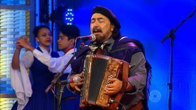 BLOCO 2 – Xirú Missioneiro toca 'Bailongo' e 'Vem Cavando' - Assista ao vídeo.