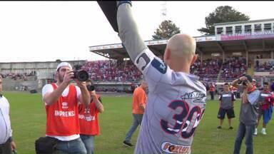 Pela Série B, Paraná Clube empata em jogo histórico para o goleiro Marcos - Com a Vila Capanema lotada, o Tricolor não conseguiu vencer o CRB. Goleiro Marcos alcançou 300 jogos pelo clube