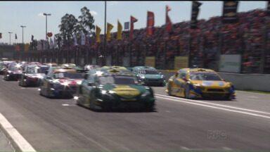 Acidente impressionante marca etapa da Stock Car - Na segunda etapa, o paranaense Júlio Campos terminou em segundo lugar e subiu no pódio