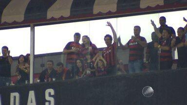 Com Wagner Moura na torcida, Vitória vence o América no Barradão - Veja como foi a partida.