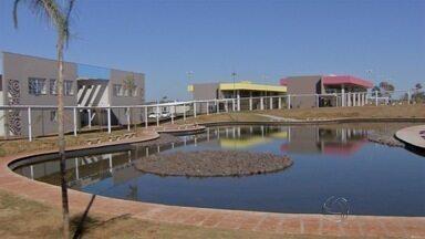 Novo campus da UEMS é inaugurado em Campo Grande - São nove cursos de graduação e três de mestrado. A estrutura vai atender 1.800 alunos