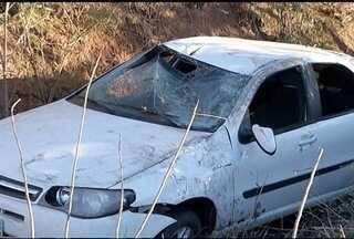 Quatro pessoas ficam feridas em acidente na MG-122 próximo a Janaúba - Acidente aconteceu após uma ultrapassagem irregular,
