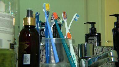 Escova de dente suja pode causar muitas doenças - Escova de dente suja pode causar muitas doenças.
