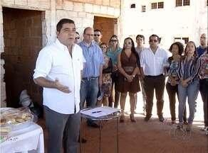 Prefeitura retoma obras de moradia paradas por dois anos em Palmas - Prefeitura retoma obras de moradia paradas por dois anos em Palmas
