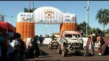 Rally dos Sertões levanta a poeira em Itumbiara - Maior competição do país passa por cidade do Sul do estado rumo ao Paraná.