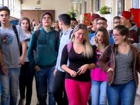 Escolas voltam às aulas e policiamento é normal hoje em Passo Fundo,RS - Depois dos protestos as atividades estão normalizadas