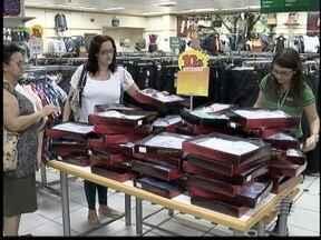 Filhos devem comprar presentes mais baratos neste Dia dos Pais - Período é de crise e os comerciantes já estão se preparando.