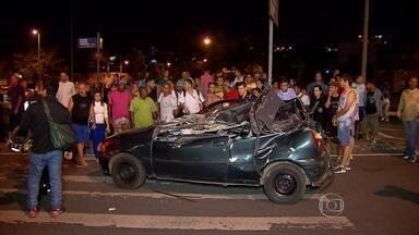 Motorista responsável por acidente grave em BH vai responder por duplo homicídio - Ele conduzia veículo em alta velocidade quando perdeu o controle e atingiu carro na outra pista.
