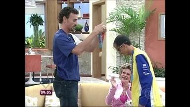 Em 2004, Emanuel entregou medalha de ouro para Vanderlei no Mais Você - 'Você mereceu', disse o jogador de vôlei ao maratonista