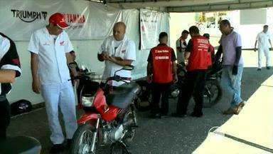 Motociclistas recebem dicas de segurança e avaliações gratuitas de motos em Teresina - Motociclistas recebem dicas de segurança e avaliações gratuitas de motos em Teresina