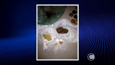 Mulher é presa no bairro Árvores Verdes suspeita de comandar tráfico de drogas - Mulher é presa no bairro Árvores Verdes suspeita de comandar tráfico de drogas