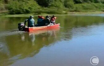 Prefeitura de Teresina realiza operação para medir nível de poluição dos rios - Prefeitura de Teresina realiza operação para medir nível de poluição dos rios