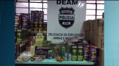 Policiais fecham uma loja que vendia fogos sem autorização, no Boqueirão - Foram apreendidas quase duas toneladas de explosivos. Na loja também eram vendidas linhas de pipa com cerol, o que também é proibido.