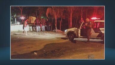 Homem morre após cair de ponte interditada em Capivari - O acidente foi na noite de domingo. A vítima tinha 56 anos.
