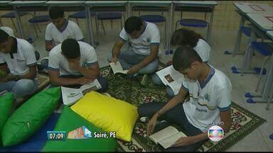Escola em Sairé, PE, fica em 4º lugar no ranking nacional das escolas públicas do Enem - Alunos, pais e professores explicam o segredo do bom desempenho.