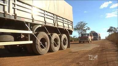 Problemas em estradas do sul do Maranhão dificultam escoamento da produção agrícola - A safra já chegou ao fim, mas os motoristas ainda reclamam da situação, que se repete todos os anos.