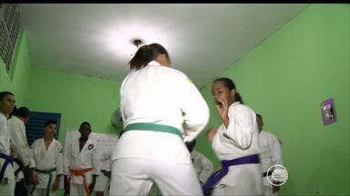 Lutadores de Karatê treinam para participar de Campeonato Brasileiro - Lutadores de Karatê treinam para participar de Campeonato Brasileiro