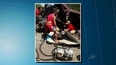 Perseguição policial termina em acidente, em Caucaia - Segundo a polícia, motorista dirigia em alta velocidade.