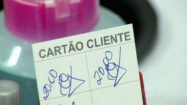 Empresários do Sul do Rio adotam programa fidelidade para driblar a crise - Se você vai ao salão com frequência ou almoça no mesmo restaurante todos os dias, deve estar perto de ganhar um serviço ou refeição de graça.