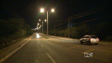 Clima de insegurança preocupa quem trafega pela Avenida Carlos Cunha em São Luís - Nesse trecho uma quadrilha especializada em interceptar veículos para a prática de assaltos age constantemente na região.