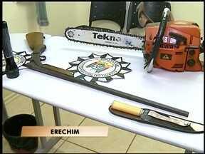 Suspeitos de matar idosa são presos em Erechim, RS - O crime aconteceu há seis dias no interior de Paulo Bento, RS.