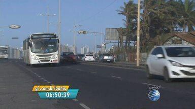 Veja imagens do trânsito em trecho da Boca do Rio, em Salvador - Confira no Radar do JM.