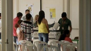 """Nova edição do programa """"Pai Legal"""" reúne dezenas de mulheres em São Sebastião (DF) - O programa identifica crianças de escolas públicas cujos documentos não tem o nome do pai."""