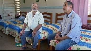 Trabalho de assistência do Hospital do Câncer depende da ação de voluntários - Ficam na Casa de Mirella pacientes pobres do interior do estado e fazem tratamento contra o câncer.