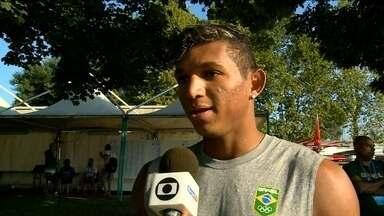 Isaquias Queiroz abre mão da sua principal prova no Mundial de canoagem - Melhor atleta da canoagem brasileira quer classificar em mais duas provas para as Olimpíadas.