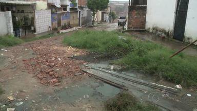 Moradores do Jacintinho cobram pavimentação - Situação tem causado transtornos aos moradores do Conjunto José da Silva Peixoto.