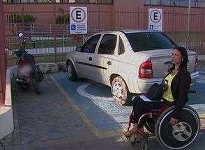 Vereadora cadeirante é multada próximo ao Ministério Público em Caruaru - Segundo a Destra, o veículo dela não estava com a identificação de deficiente físico.