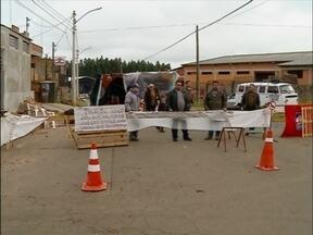 Famílias protestam por moradia em Passo Fundo,RS - Eles ocupam há mais de 15 anos uma área particular no bairro Valinhos