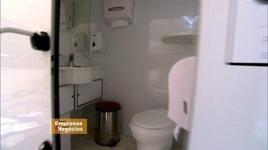 Empresário cria banheiro móvel de luxo - Com sistema de reaproveitamento de água e serviço diferenciado, o banheiro ecologicamente correto atra usuários em todos os eventos em que ele está disponível e proporciona mais conforto e higiene.