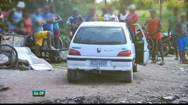 Casal é assassinado no carro, ao chegar em casa, em Candeias - Delegado acredita que foi uma execução e envolveu pelo menos dois homens.
