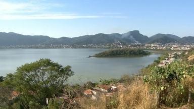 Moradores e pescadores denunciam degradação de lagoas em Niterói - Moradores e pescadores de Piratininga e de Itaipu denunciaram a degradação das lagoas da região oceânica de Niterói. Imagens enviadas por um telespectador mostram que uma delas está quase totalmente seca.