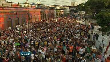 Marcha com Jesus reúne centenas de fiéis em Fortaleza no último sábado - Grupos de várias congregações evangélicas participaram do evento.