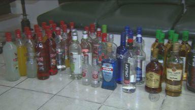 Drogas e álcool são apreendidos com adolescentes em festa - A festa acontecia em Valinhos no último fim de semana. Cerca de 100 adolescentes foram levados de ônibus à delegacia.