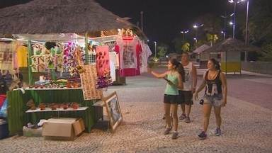 Artesãos da praça Tenreiro Aranha são transferidos para Ponta Negra - Mudança será válida enquanto praça no Centro de Manaus estiver em obras.